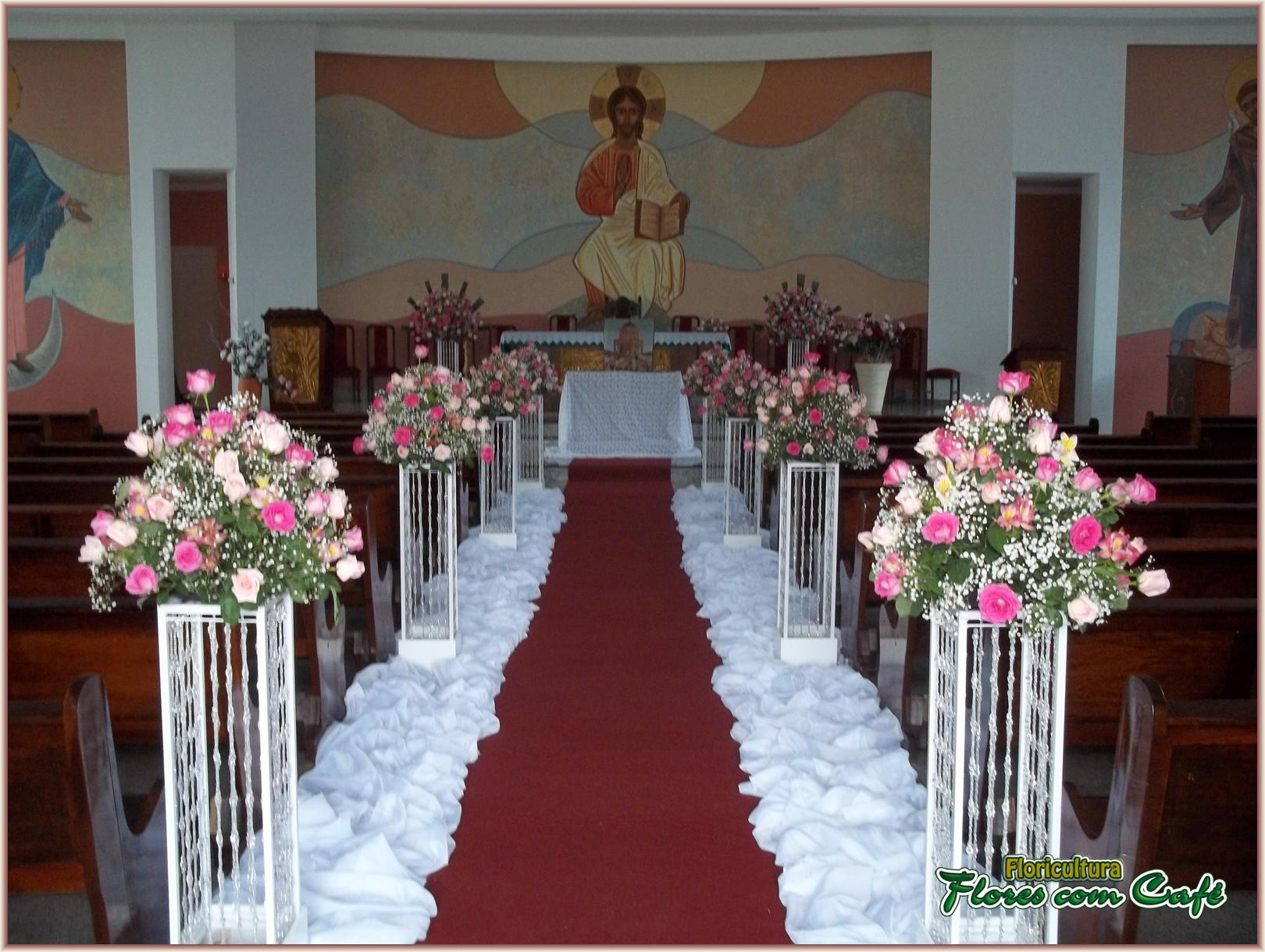 Fotos de arranjos de mesa para casamento simples 13